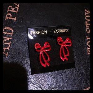 🦋2/$10 3/$15 4/$18 5/$20Vintage Xmas Bow Earrings